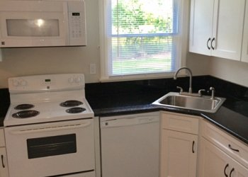 student apartments Amherst Lincoln Real Estate student housing