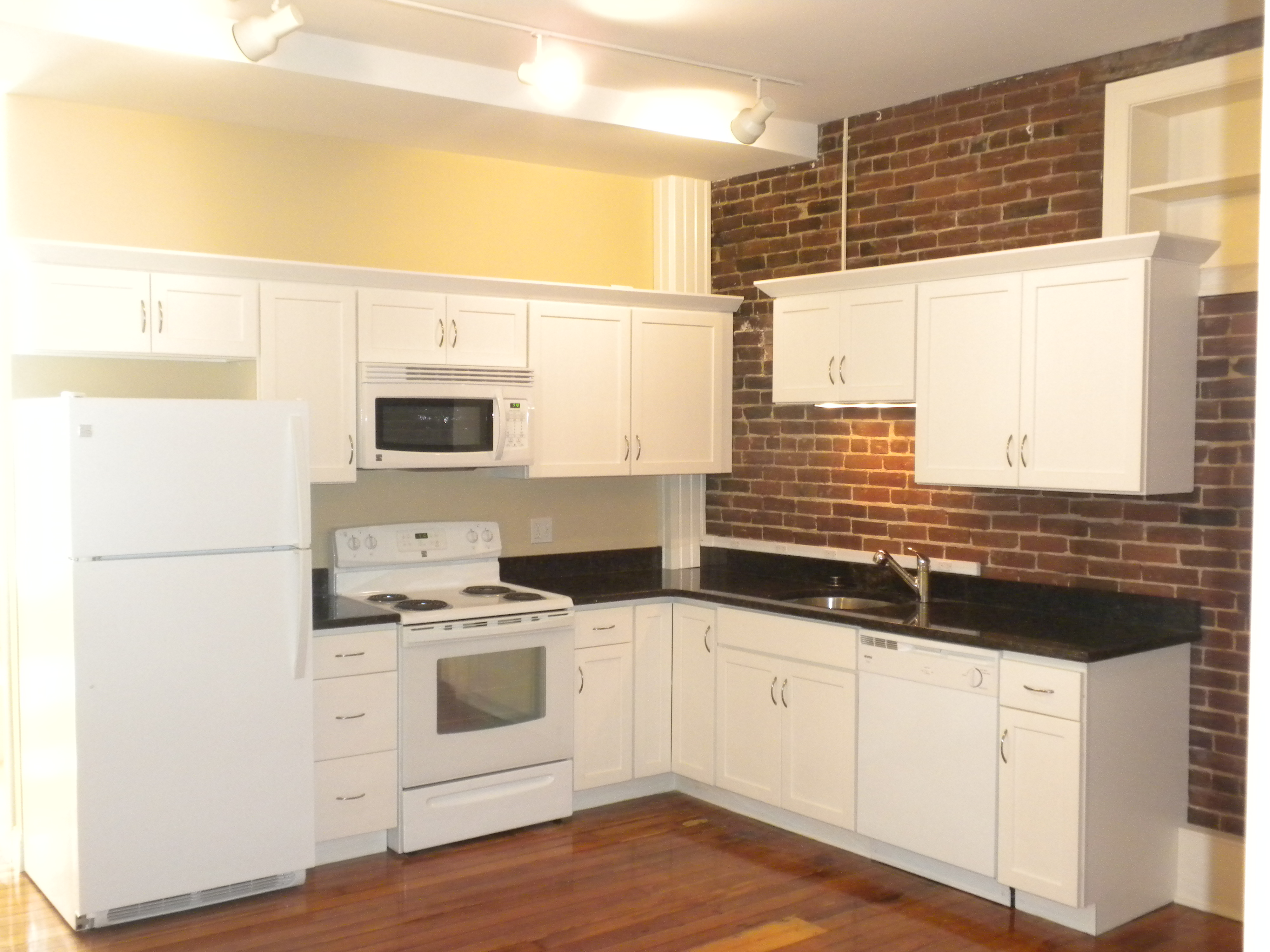3 Bedroom Apartment Amherst Ma Umass