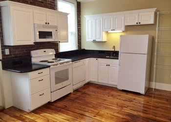 Amherst 3-4 bed room apartment
